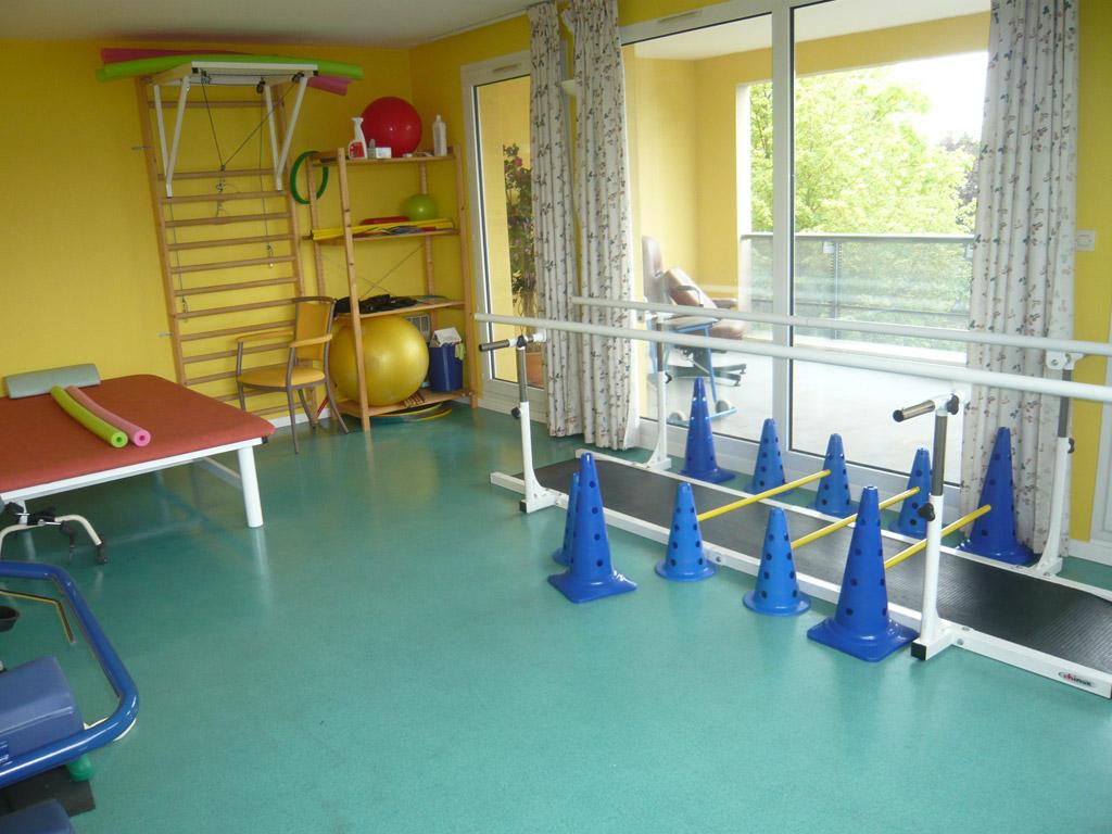 La Salle Admissions >> L'espace balnéothérapie de la maison de retraite La Combe ...